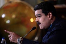 Maduro durante la transmisión televisiva de anoche, donde le respondió a Estados Unidos