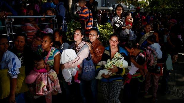 La desesperación empuja cada vez a más venezolanos a Colombia