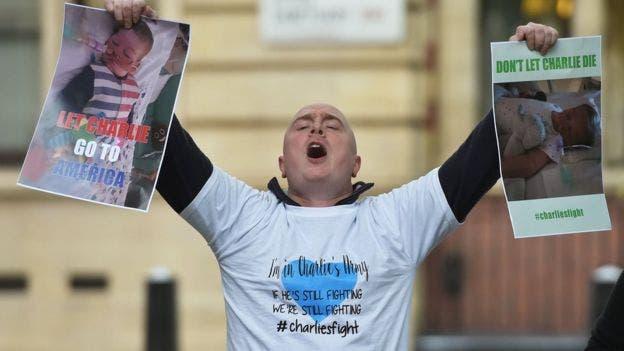 El caso de Charlie conmocionó a Reino Unido durante meses y, tras los tuits del Papa y Trump, el caso trascendió fronteras