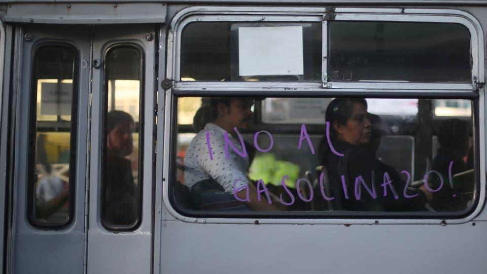 """""""Gasolinazo"""", la última crisis que golpea al gobierno de México. Foto: Reuters / Edgard Garrido"""