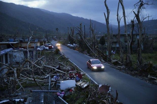 En Yabucoa, Puerto Rico, desolación tras el paso del huracán
