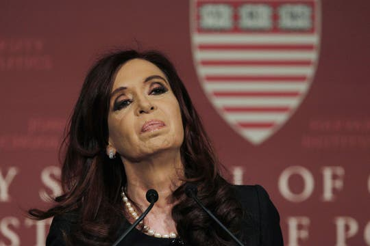 La presidenta Cristina Kirchner dio una conferencia en la universidad Harvard. Foto: Reuters
