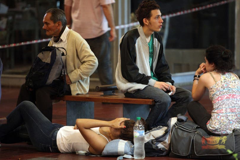 Una mujer se decompuso por el intenso olor. Foto: LA NACION / Silvana Colombo