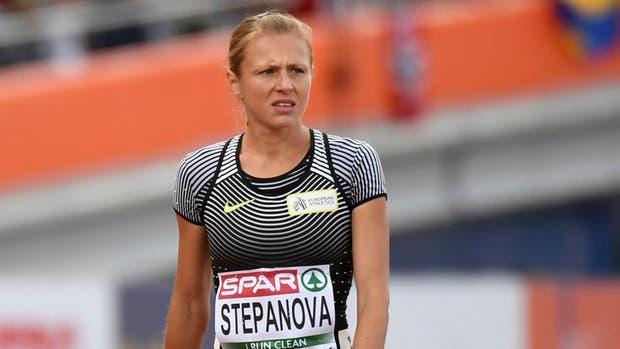 La atleta que delató el doping ruso vive escondida y subsiste gracias a donaciones