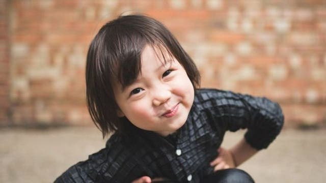 Yasin espera cambiar con su proyecto ciertos valores de padres y niños a la hora de comprarse ropa