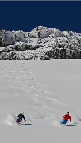 Si la nieve acompaña, la temporada de esquí comenzaría alrededor del 17 de junio