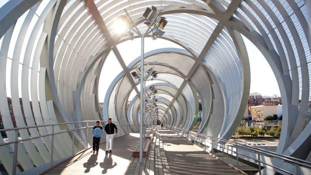 Puente Arganzuela, en el nuevo circuito Madrid Río, sobre el cauce del Manzanares