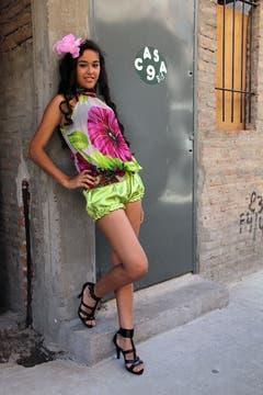 Delia, apoyada en una de las paredes de la villa. Foto: LA NACION / Matías Aimar