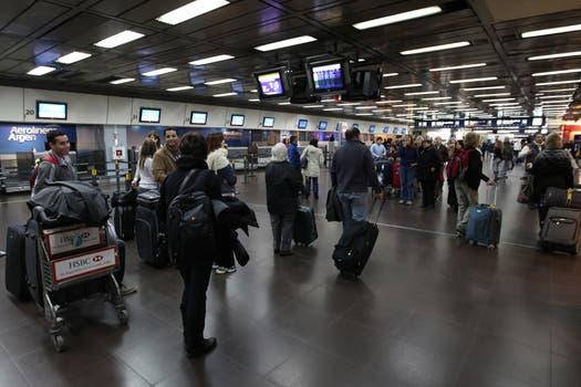 Todos los vuelos fueron suspendidos en aeroparque. Foto: LA NACION / Ricardo Pristupluk