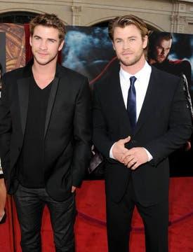 Los hermanos suelen robarse todas las miradas cuando pasan por la alfombra roja. Foto: Archivo