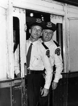 En septiembre de 1969 se estrenaron nuevos uniformes de policía.. Foto: Archivo