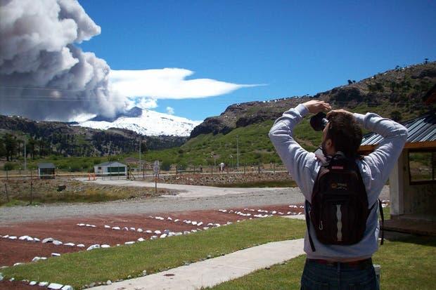 La nube de cenizas del volcán Copahue que entró en actividad