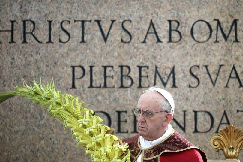 Francisco centró su sermón en torno a tres palabras: alegría, cruz y jóvenes.. Foto: AFP