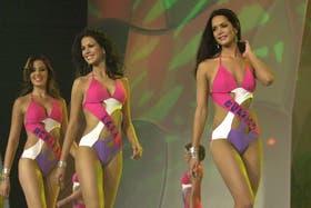 La modelo fue coronada Miss Venezuela en 2004 y en el 2005 fue quinta finalista en el Miss Universo