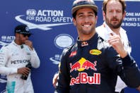 En una clasificación accidentada, Daniel Ricciardo se quedó con la pole en Montecarlo