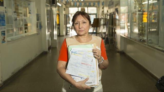Graciela Lazzarof es secretaria del club Tres de Febrero, de San Martín; tiene que pagar por mes 24.000 pesos en servicios públicos