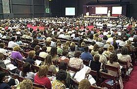 A un mes del comienzo de las clases, unos 3000 maestros y profesores de todo el país participan del 38º Curso de Rectores, que se extenderá hasta el viernes en la Rural y es organizado por el Consejo