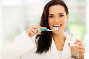 Aprendé a identificar los (malos) hábitos y alimentos que manchan tus dientes