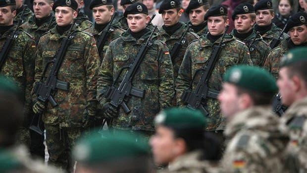 Inquieta al ejército alemán un brote de simpatía nazi