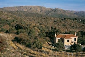 La casa encendida: Rústica y confortable entre las sierras