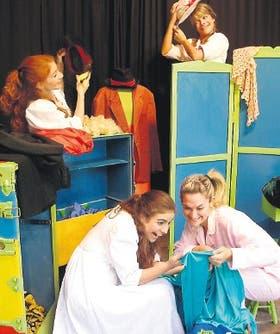 Buenas actrices que cantan y bailan, en una obra que invita a jugar