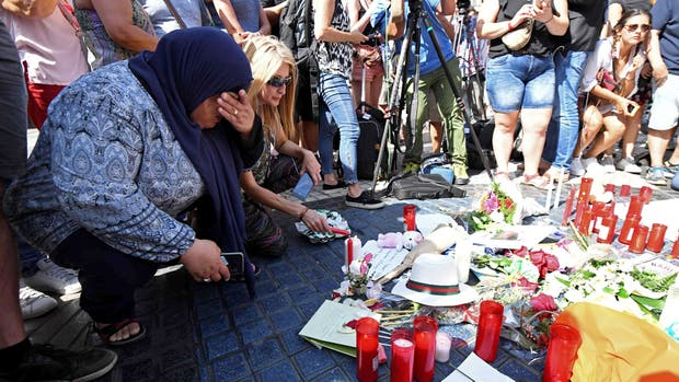 España homenajea a las víctimas del atentado