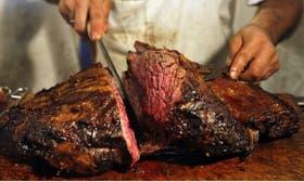 La carne junto con el vino y la yerba mate se promocionarán en los distintos mercados