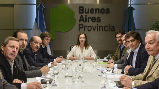 María Eugenia Vidal junto a dirigentes agropecuarios