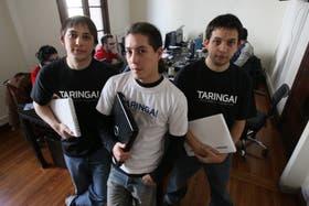 "Los ""taringueros"", Matías Botbol, Alberto Nakayama y Hernán Botbol"