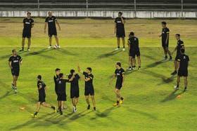 Los jugadores de Boca se tomaron un rato para divertirse en la práctica en el Club Portuguesa