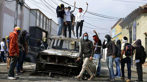 En San Cristóbal, ayer, hubo protestas contra el gobierno de Maduro