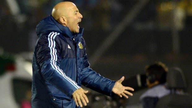 """""""No esperábamos que Uruguay juegue tan atrás"""", dijo Sampaoli"""