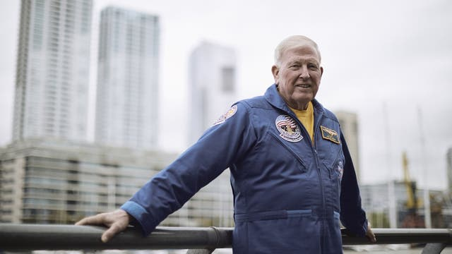 Jon McBride jefe de astronautas del Kennedy Space Center Visitor Complex