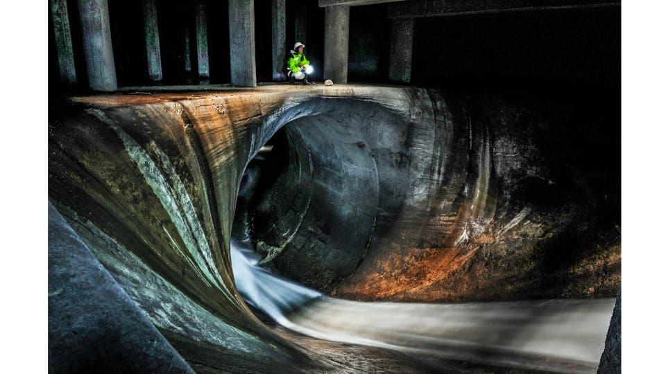 Canales aliviadores de los arroyos Maldonado y Cildañez, debajo de la Av. Juan B. Justo y Víctor Hugo, Buenos Aires Septiembre 2016 . Foto: Rubén Digilio