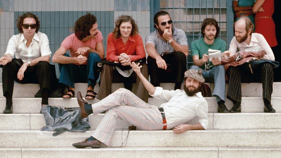 Debut en Caracas, mayo de 1973, frente a la Cadena Venezolana de Televisión: al frente, Carlitos; detrás, Ernesto, Jorge, Puccio, Daniel, Barberis y Marcos. Foto: gentileza Planeta