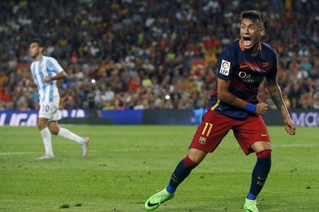 Neymar, furioso, durante el último partido de Barcelona ante Málaga
