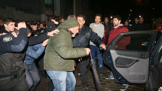 Martínez Roja, antenoche, tras el ataque en la redacción de Tiempo Argentino