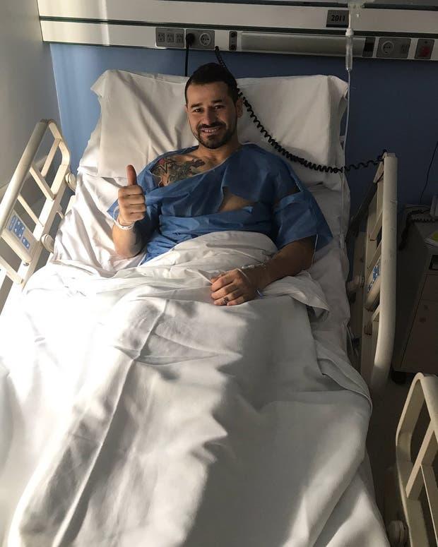 El delantero uruguayo tras la operación