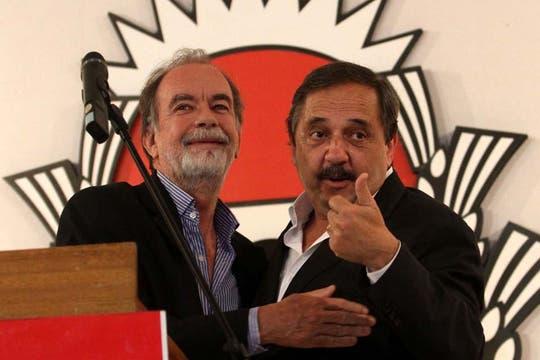 Alfonsín felicitó a Cristina y advirtió que seguirá trabajando para que se respeten las instituciones del país. Foto: DyN