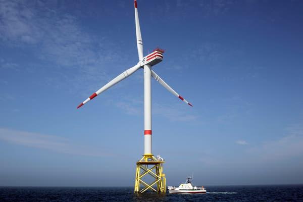 En abril, Alemania instaló una turbina eólica en el Mar del Norte, una medida que Estados Unidos planea implementar lejos de sus costas