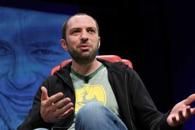 Jan Koum, CEO de WhatsApp, durante la conferencia D: Dive Into Mobile de All Things Digital de 2013