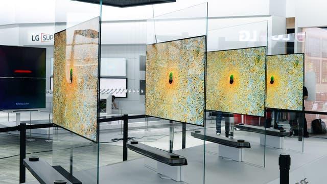 LG con su línea de televisores OLED que presentó en CES 2017