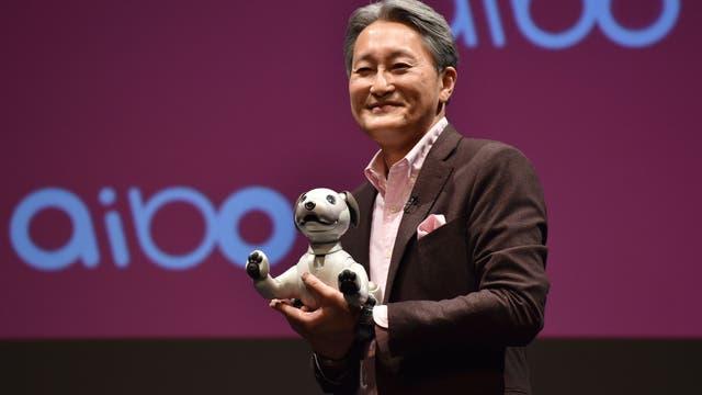 El presidente de Sony, Kazuo Hirai, durante la presentación del nuevo Aibo
