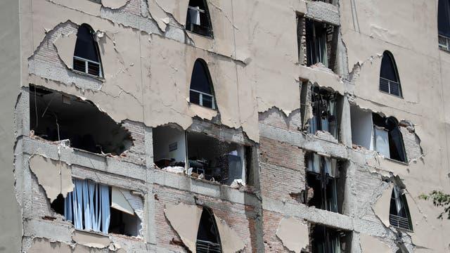 Muchos edificios se agrietaron pero no se derrumbaron
