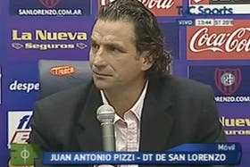 El flamante DT, en conferencia de prensa