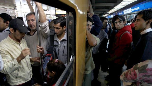 El decálogo de las malas costumbres en el transporte público