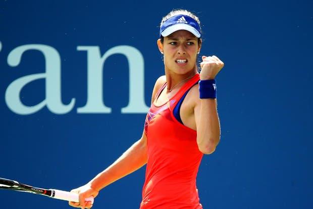La serbia Ana Ivanovic (13) derrotó a Anna Tatishvili por 6-2, 6-0.  /Fotos de EFE, AP, AFP y Reuters