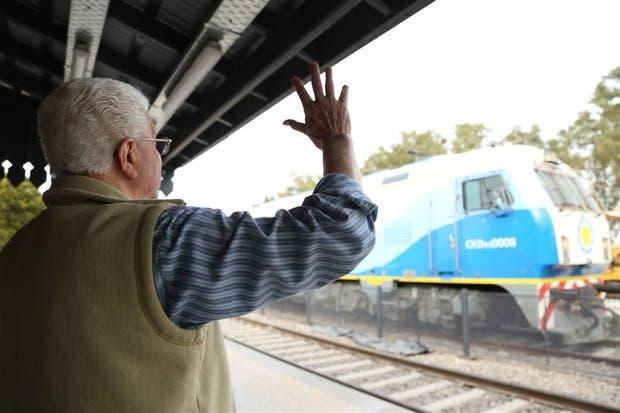 Dos veces a la semana, salen trenes a Retiro