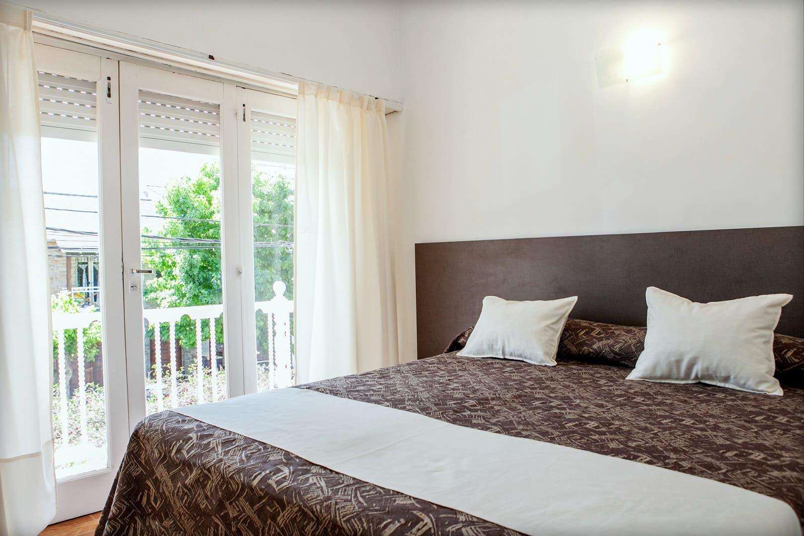 HOTELES BAGU