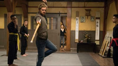 Finn Jones como Iron Fist
